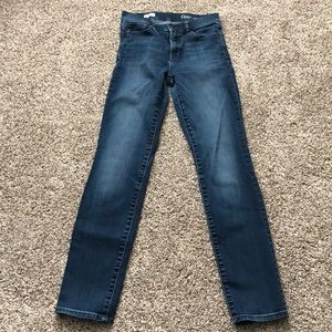 Gap Jeans size 27